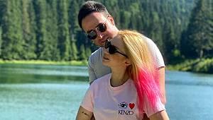 Şarkıcı Ece Seçkin, nişanlısının yeni yaşını Ayancık'ta kutladı