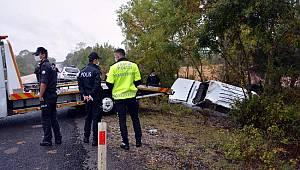 Ayancık-Sinop yolunda kaza; 2 yaralı