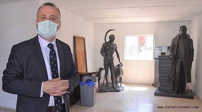 Sinop'a Sabahattin Ali ve Tarzan Kemal heykeli dikilecek
