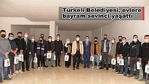 Türkeli Belediyesi, evlere bayram sevinci yaşattı