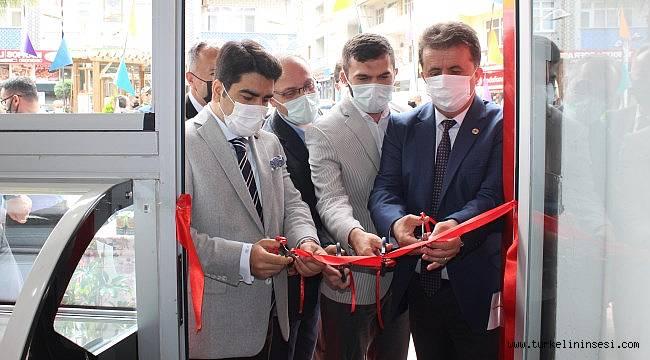 Türkeli'de Balbadem Dondurma işletmesi hizmete açıldı