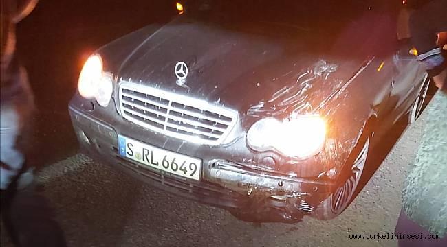 Türkeli'de motorsiklet ile otomobil çarpıştı: 2 yaralı
