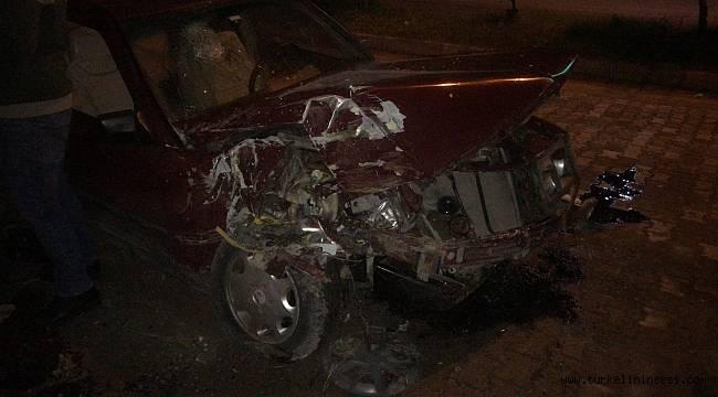 Türkelili sürücü park halindeki araca çarptı: 1 yaralı