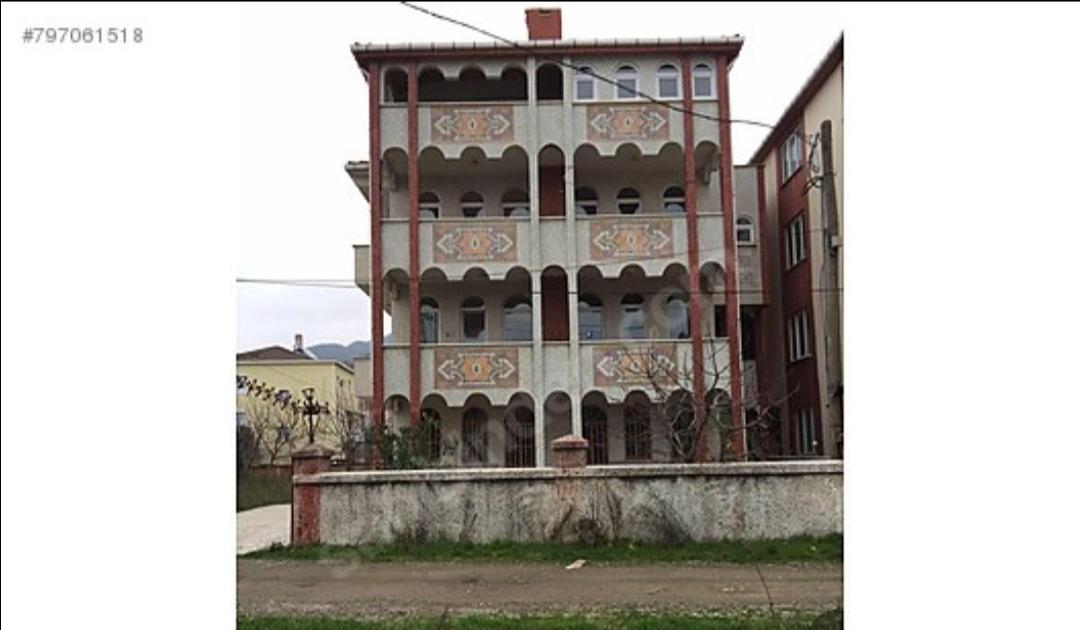 Türkeli Çayağzı mevkiinde deniz manzaralı satılık bina